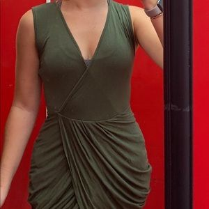 Dresses & Skirts - Green night out dress